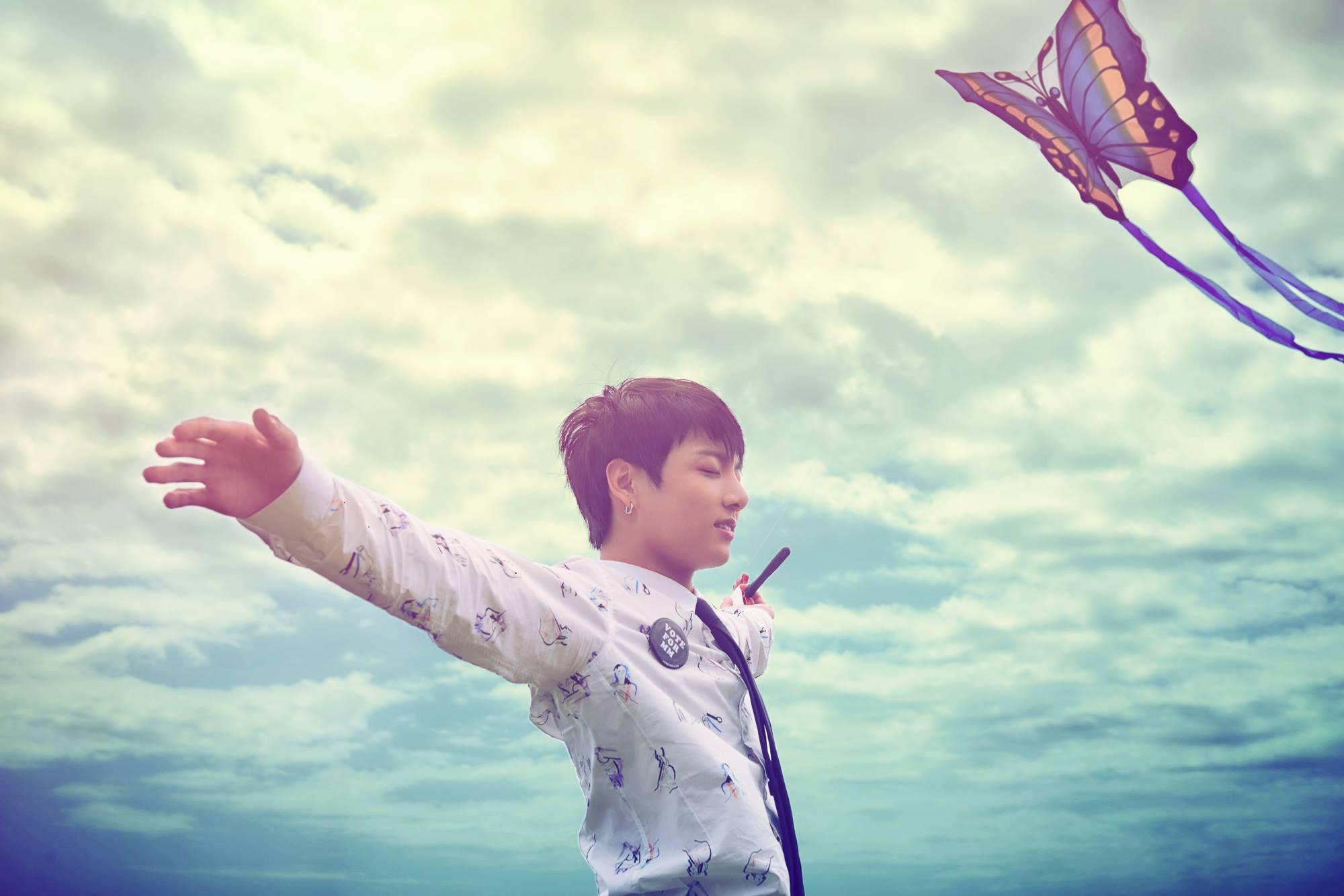 但韓國網友卻覺得【蝴蝶】更能代表防彈少年團近來曲風給人的感受~