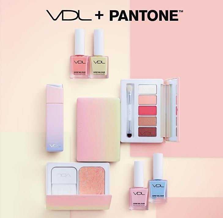 後來又出了蜜桃粉橘色! VDL真的很愛玩顏色遊戲,每項單品光是看到繽紛的外觀,就美到不行阿!