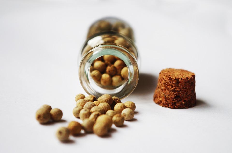 胡椒中含有許多能散發辣味的胡椒鹼,這種成分具有可以阻止生成新的脂肪細胞的作用,此外胡椒還能促進新陳代謝,有益減少脂肪!