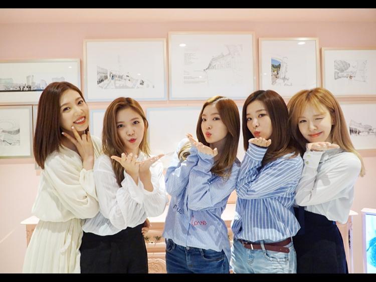 再來是公司有放消息說8月份會回歸或出道,但還不確定日期的~ 首先是我們貝貝Red Velvet~也會在8月份有很多活動應該就是要帶著第二張正規專輯回歸囉~