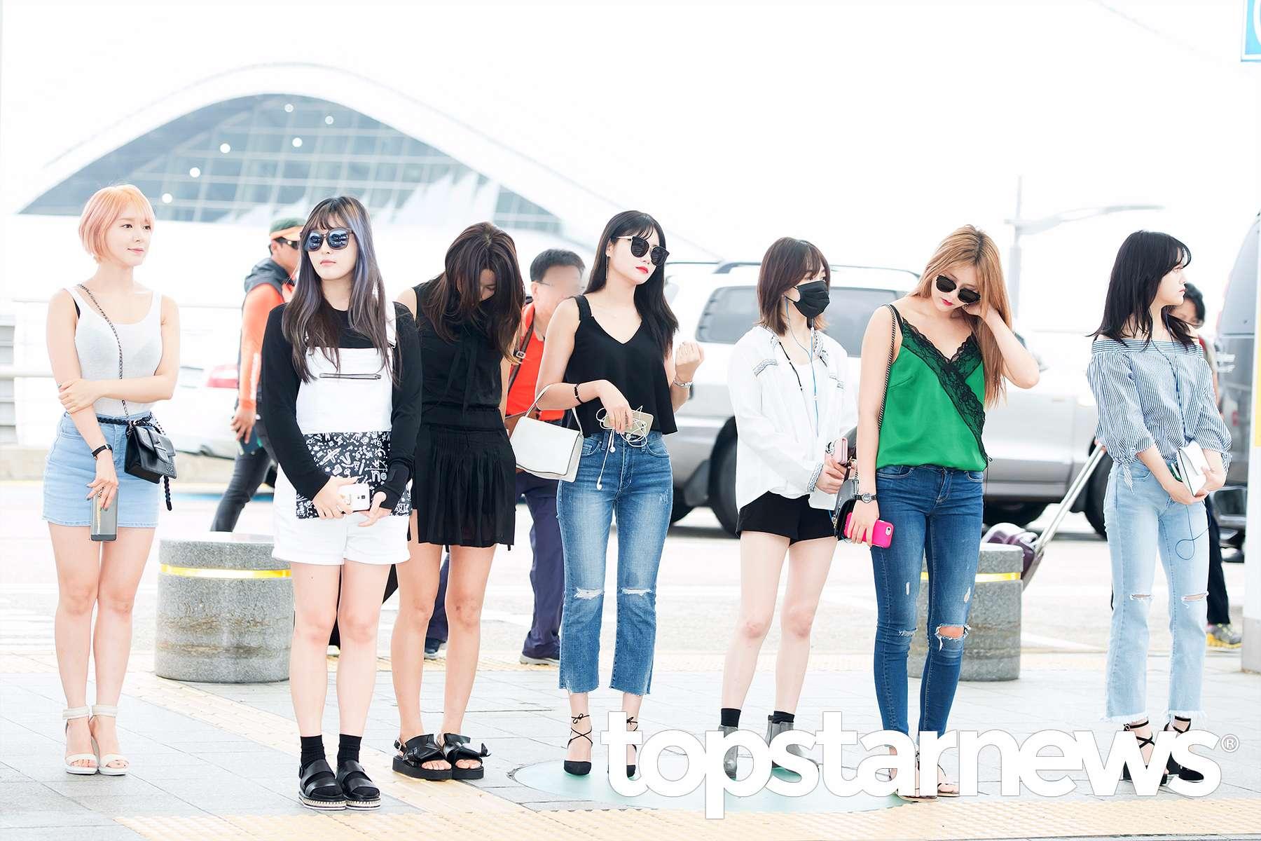 AOA登場果然是夏天的女團,露腿、露胸口、露香肩都不能少