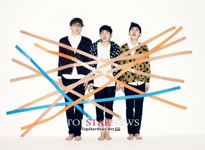 身為樂團Busker Busker主唱跟創作家的張凡俊,其成名曲《櫻花結局》每到春天是韓國人必唱歌曲,從2012年到2015年,光這首歌的收益就高達46億韓幣~