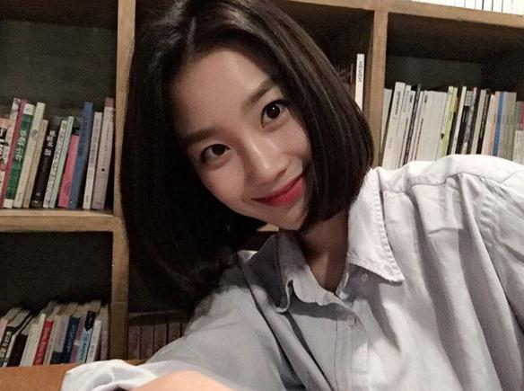 張姬領也非常適合短髮造型 而且感覺她好像很愛襯衫的樣