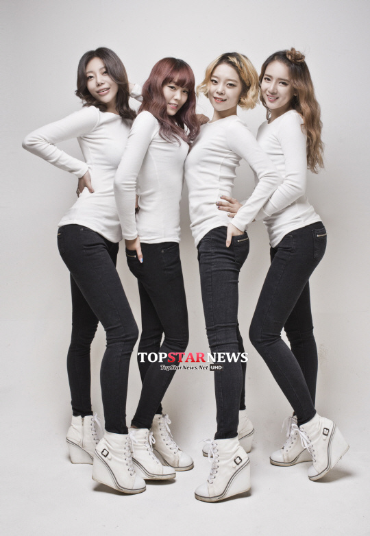 2月:出道2組 Heart Rabbit Girls(女團)、Purplay(女團)