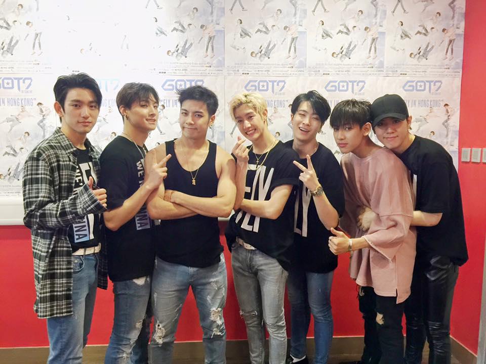 TOP 5 :: GOT7   演唱會時間:8 月 20 日~21日 原價:9 萬 9 千元/張(台幣約 3040 元) 黃牛票最高票價:40 萬 / 張(台幣約 12500 元)