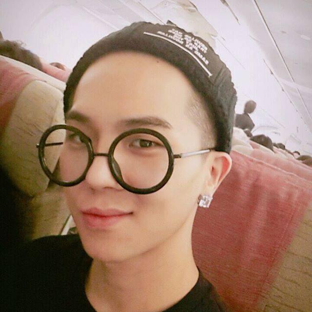 不過YG宣布這次iKON的巡迴演唱會有位驚喜嘉賓陪伴演出,那就是師兄團WINNER的MINO!