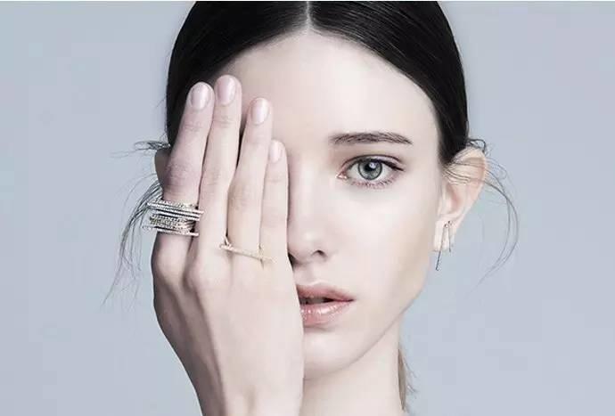 看了今天小編的內容, 知道怎樣選擇最適合自己佩戴的戒指了嗎? 不要再戴錯了唷XD