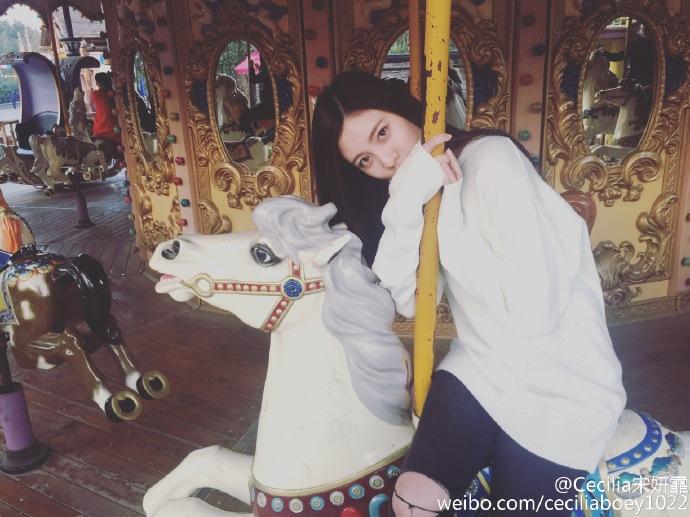 除了宋妍霏以外,還有另一名中國籍練習生在離開JYP後,回到了中國發展,成為中國女團成員之一