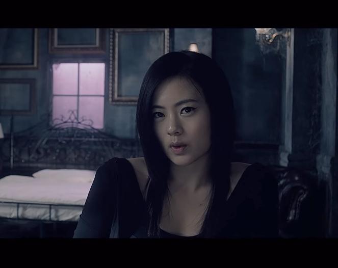 然而Lena在準備出道前,卻突然離開JYP去了美國,之後又聽說參加了韓國小姐選美,前往南加利福尼亞州,因為主力Lena的離開,讓準備以6Mix出道的練習生們也就這樣瓦解了…
