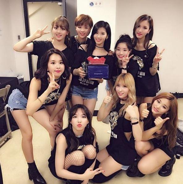 JYP每推出新女團時都會造成許多話題,去年TWICE出道後,有不少韓國網友再次討論起JYP旗下的練習生…