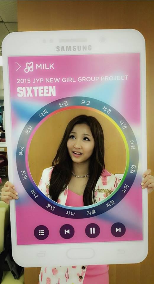 以及曾參與TWICE成員選拔節目《SIXTEEN》,一路打進前16強的成員敏英(Minyoung;練習生時使用的名字是 Charlene)。