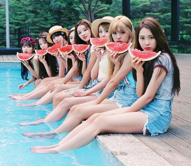 繼Mamamoo創下女團出道後最快舉辦單獨演唱會的紀錄後,OH MY GIRL也接著讓繼數再度更新…希望Red Velvet別讓粉絲連個單獨演唱會都要等7年啊~