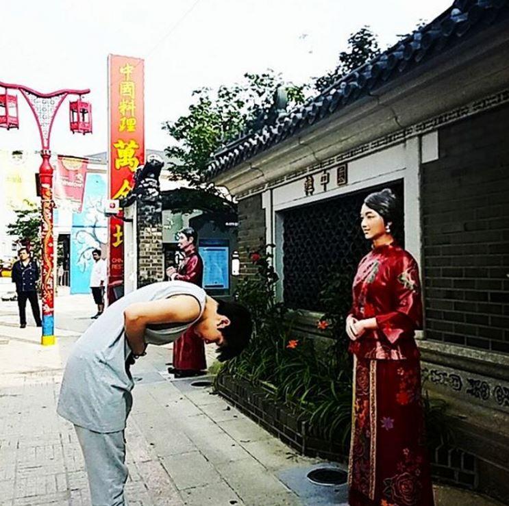 去仁川China town還在路上跟中國姐姐(?)打招呼是哪招阿~(明明就是假人XD)