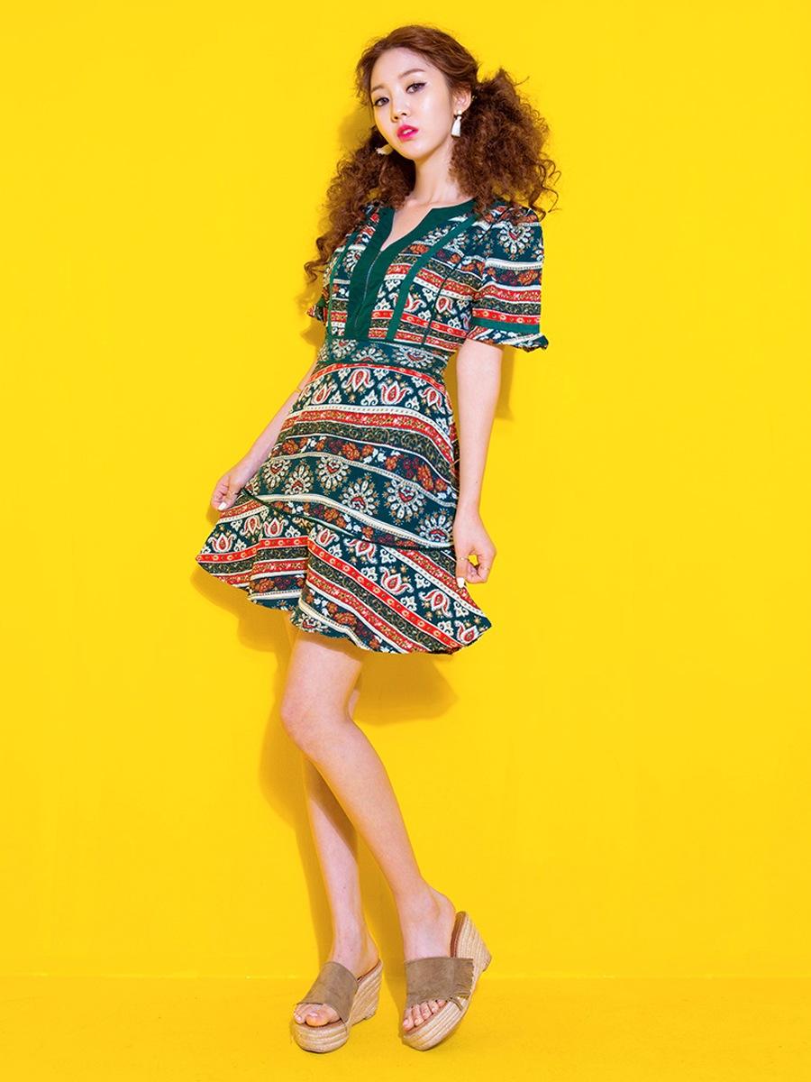 色彩艷麗的民族風小洋裝, 讓你輕鬆hold住任何場合!