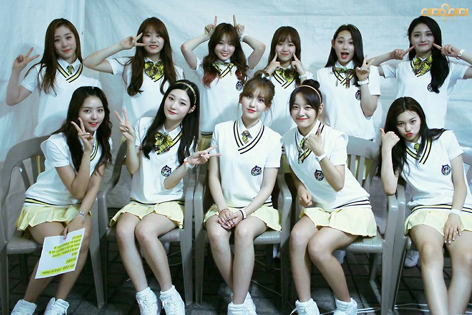 進入今天的正題~~前陣子韓國網友將I.O.I成員們的臉蛋合成,分別做了「有Somi」的平均顏值和「沒有Somi」時的平均顏值,一起來看看吧!