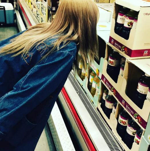 要買哪一種味道好呢?女孩們逛超市一定會站在同樣的商品面前,但因為不同的味道,而糾結半天吧?
