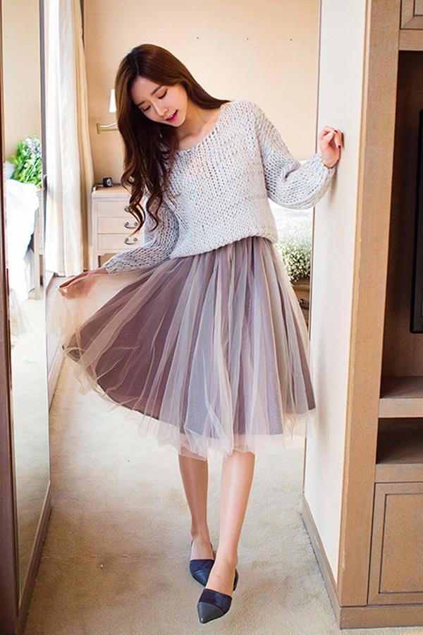 ✔蓬紗皺摺中長裙 蓬紗皺摺中長裙,蓬蓬的營造出一種非常幻舞的感覺!