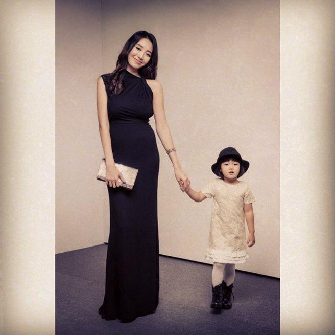 此外,產後一度受到肥胖困擾的Miss Korea朴沙論(박샤론),也曾用這種方法在3個月減重20kg,重塑完美身型的呢~