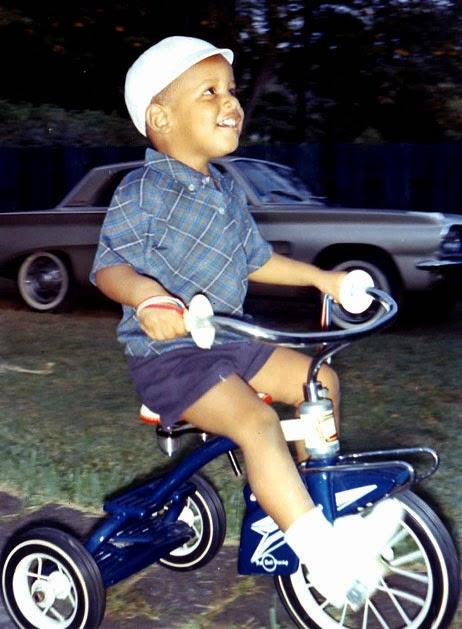 1965年 騎著三腳腳踏車的巴拉克·歐巴馬