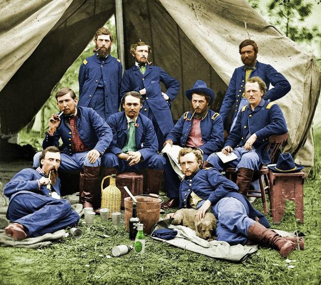 1863年 美國內戰George Armstrong Custer和聯合軍軍人 (原本為黑白照,彩照為復原本)