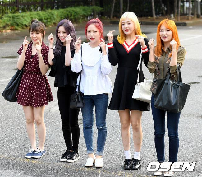 除了Irene,其實Irene每位成員的外貌都不科學,要知道Red Velvet可是完顏團喔:-O