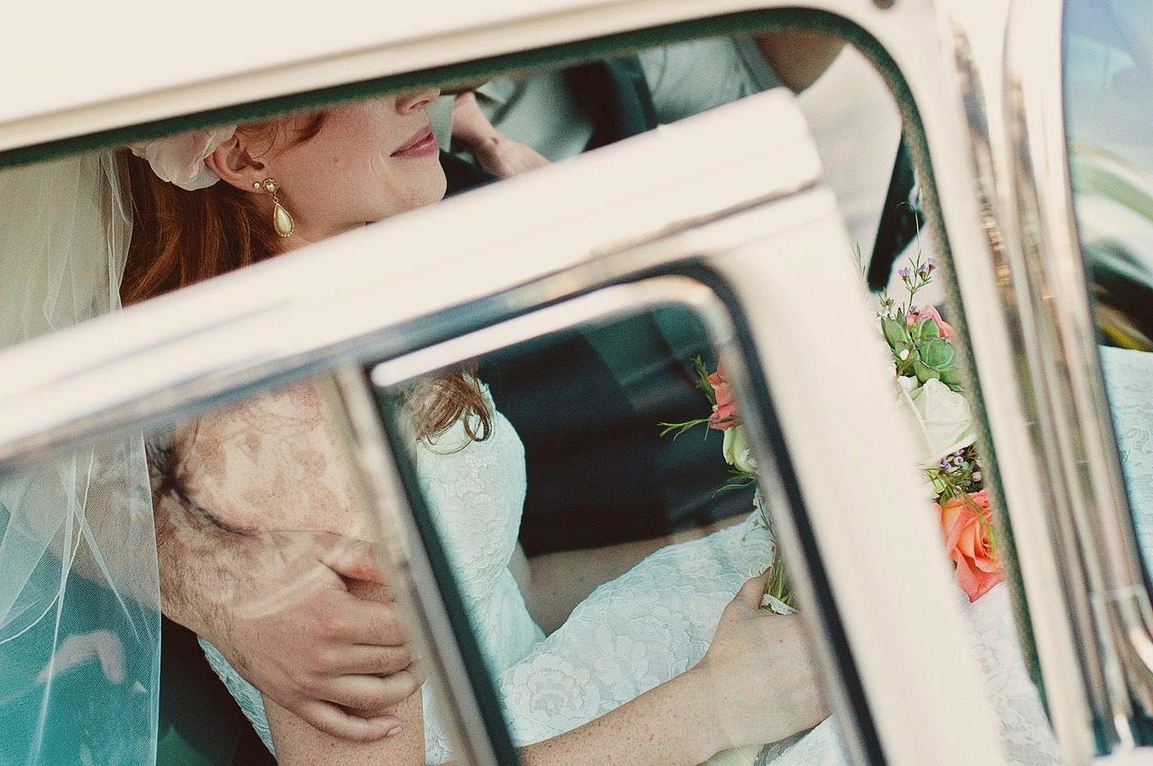 這對夫妻就是凱西(Kathy Gunn)和布蘭登(Brandon Gunn),他們在2007年9月1日結婚