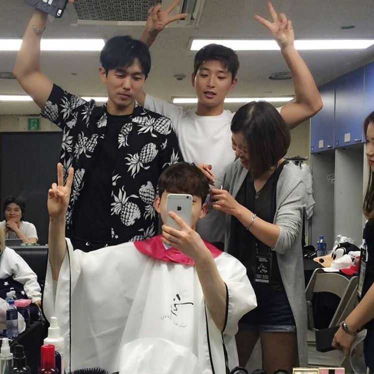 雖然珍雲在去年與JYP家約滿後選擇離開 JYP 但從他在即目上大方談過去在JYP的狀況,以及離團後仍時常和2AM成員互動,看得出來是好聚好散,現在傳出和師姐的戀愛傳言,不少粉絲也大力支持!而JYP部份仍表示在確定狀況中