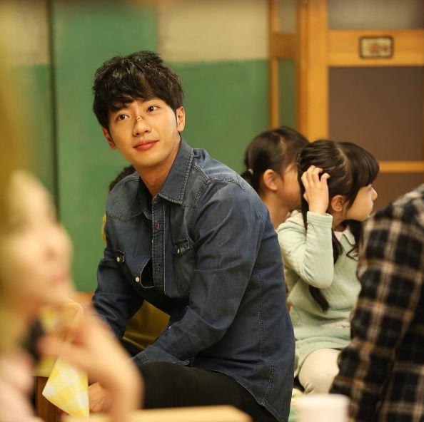 在《Doctors》劇中,李相燁特別出演了第15、16、18、20集,飾演一位去結婚會場時,被後車撞傷的新郎-金宇振,已經看過的劇迷,有想起來他是誰了嗎?