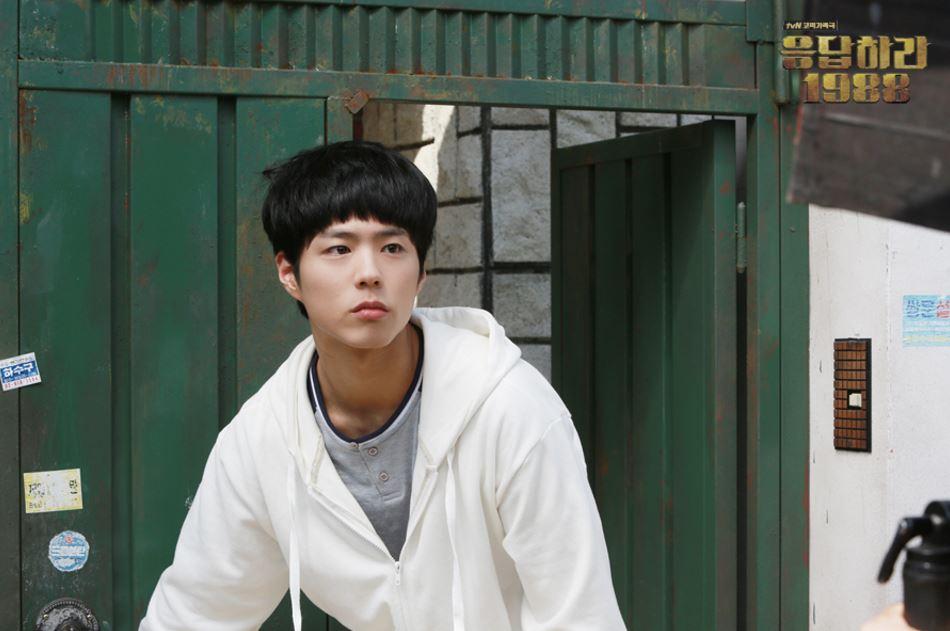 從去年年底到今年年初,韓劇《請回答1988》在韓國造成了許多話題,岀演的演員們也都因此人氣大爆發,其中擁有可愛狗狗臉的朴寶劍,更是受到女性觀眾們的喜愛♥