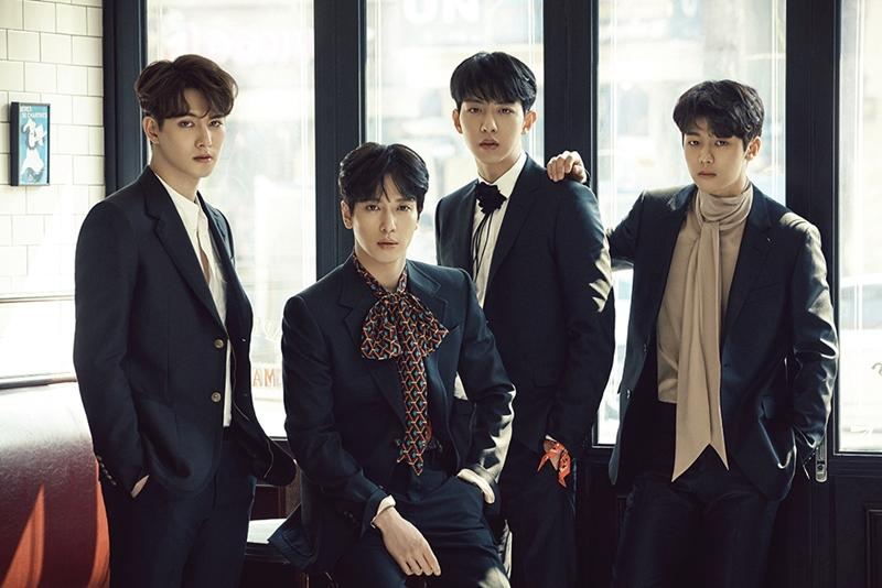 ♥第5名-CNBLUE 出道日期:2010年1月14日(邁入出道第8年) 現任成員:鄭容和、李宗泫、姜敏赫、李正信
