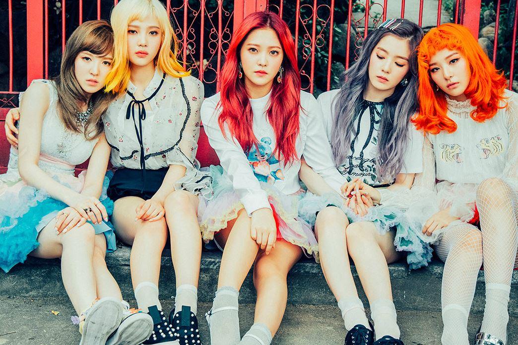 這位女偶像是少女時代師妹Red Velvet的成員之一,Red Velvet這次回歸可說是下了不少功夫,每位成員看起來都瘦了許多…