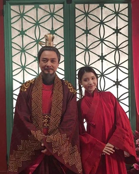登登!就是飾演高麗太祖、王子們父親的趙敏基呦~ 雖然趙敏基將近50歲,但還是非常勤勞地運營自己的SNS喔(笑)