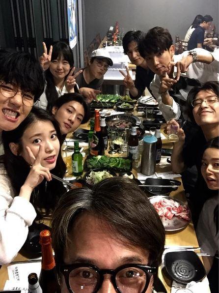 演員們一起聚餐的照片,也可以在趙敏基的IG中看到~ 私底下的他們都好可愛喔♥