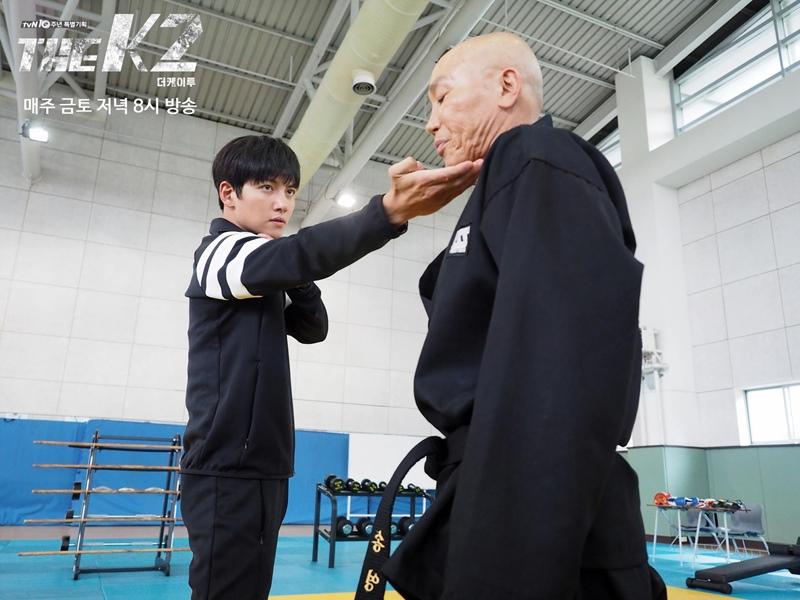 最近熱播中的韓劇《THE K2》,刺激緊湊的故事節奏,和畫面有如電影般的動作戲,吸引了不少台灣觀眾收看,尤其男主角池昌旭不只擁有超高顏值…