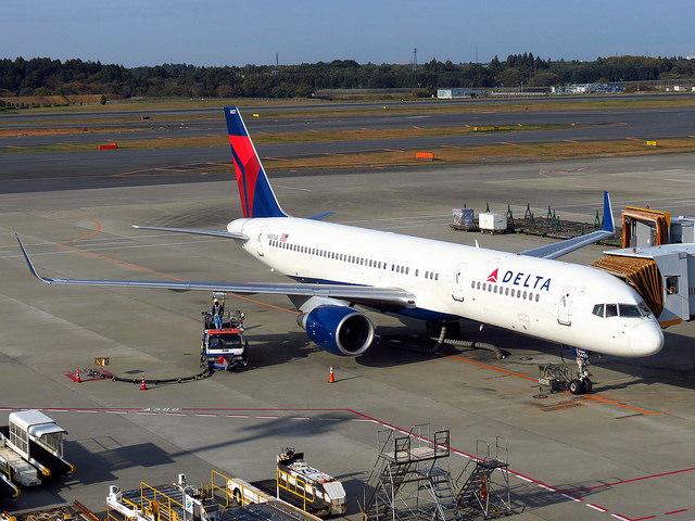 達美航空公司的FB專頁也有許多網友生氣去留言批評,網友還說以後會拒搭達美航空