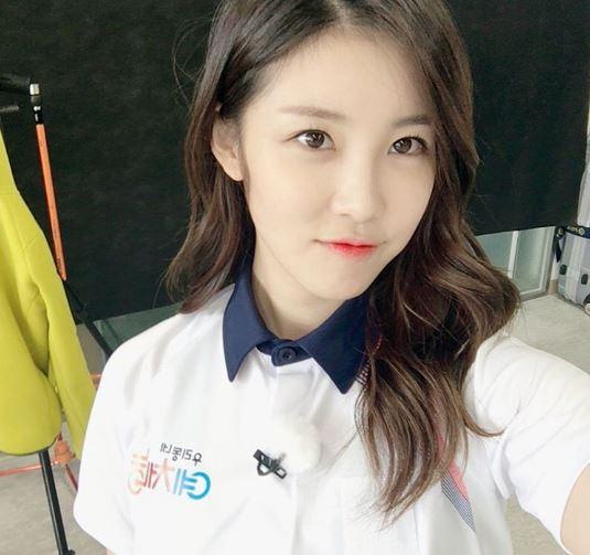 全烋星,在還沒正式出道的五少女時期就頗受歡迎的成員,過去曾因為被傳是韓國有「仇女情節」的網站「ilbe」的成員而引起誤會,再加上真的是天使臉孔、魔鬼身材而成為女生們嫉妒的對象。