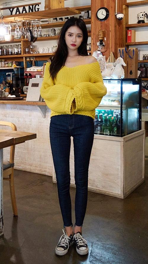 ❈ 毛衣+牛仔褲 經典百搭的牛仔褲 X 毛衣,不僅顯瘦,而且時尚度滿滿.. 無論是清新感還是女神感,