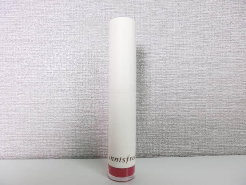 就是這隻Innisfree新推出的奶油絲絨唇膏-7號色。