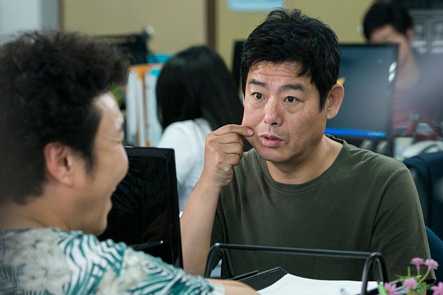 除了由金裕貞和車太鉉主演以外,以《又,吳海英》人氣大漲的徐玄振、《Oh我的鬼神君》林周煥、資深演員成東日也都有出演這部作品,預計在韓國11月上映。