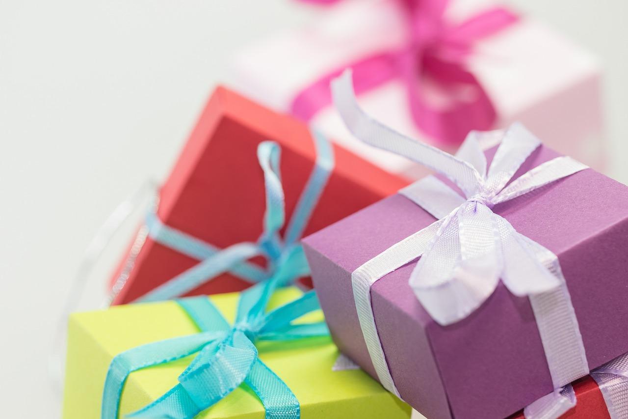 後來網路上有人透露,蔣欣會這樣做,是因為她一直不想讓粉絲花錢買禮物給她