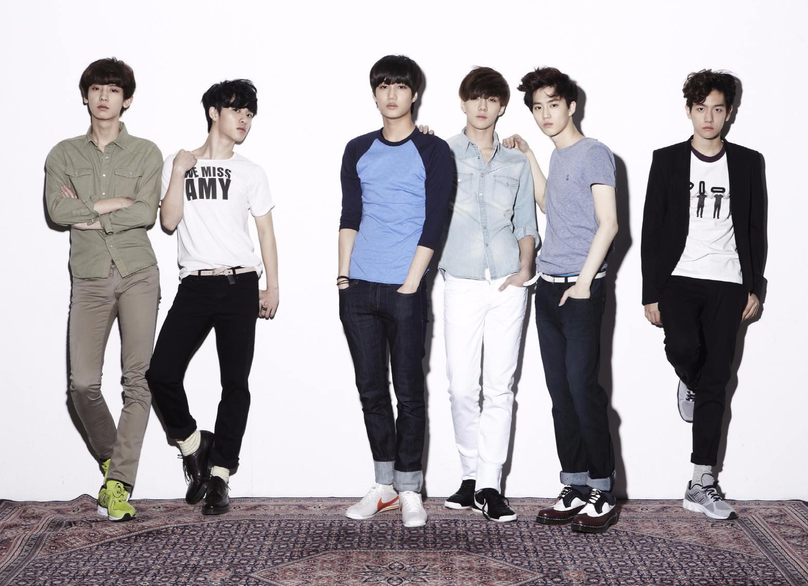 EXO 2012年4月8日 比起出道照黑歷史,EXO應該是屬於出道超能力設定比較黑歷史XD 他們出道時的造型很青澀很帥>///<