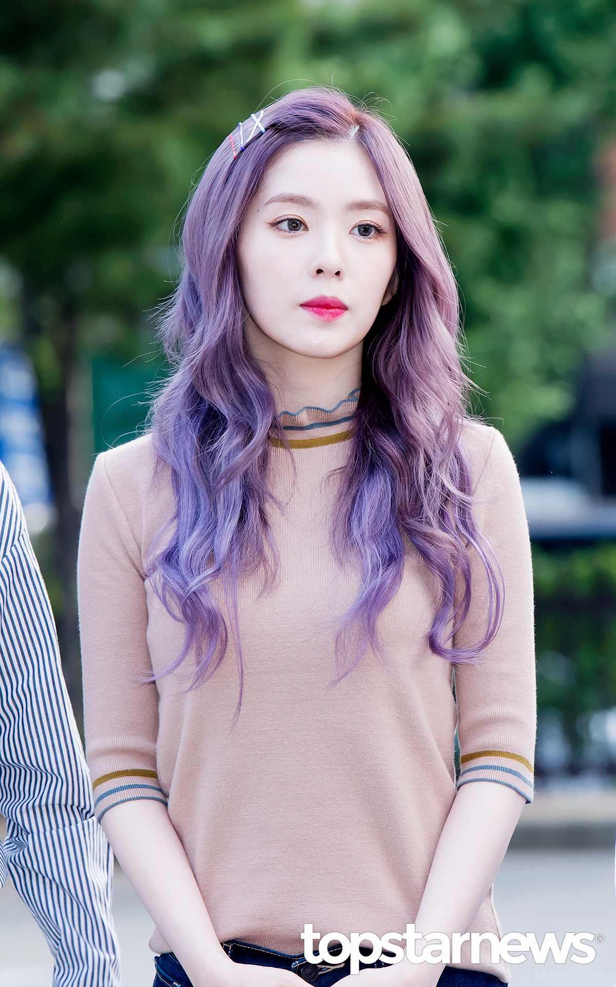 TOP 3  Red Velvet Irene (16%) 完全童顏的 Irene 91年生已經25歲了!!!因為擁有仙女般的外貌廣為人知~~~
