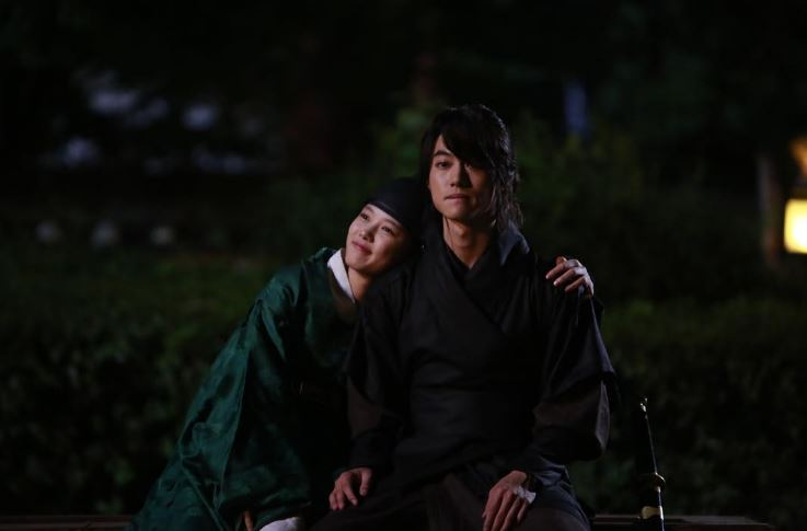 ✿TOP 7 - 郭東延 電視劇:KBS2《雲畫的月光》 ➔上升11個名次 幸好最後我們金兄沒有掛掉ㅠ.ㅠ雖然上升了11個名次,但今天名次暴衝的演員不是郭東延…