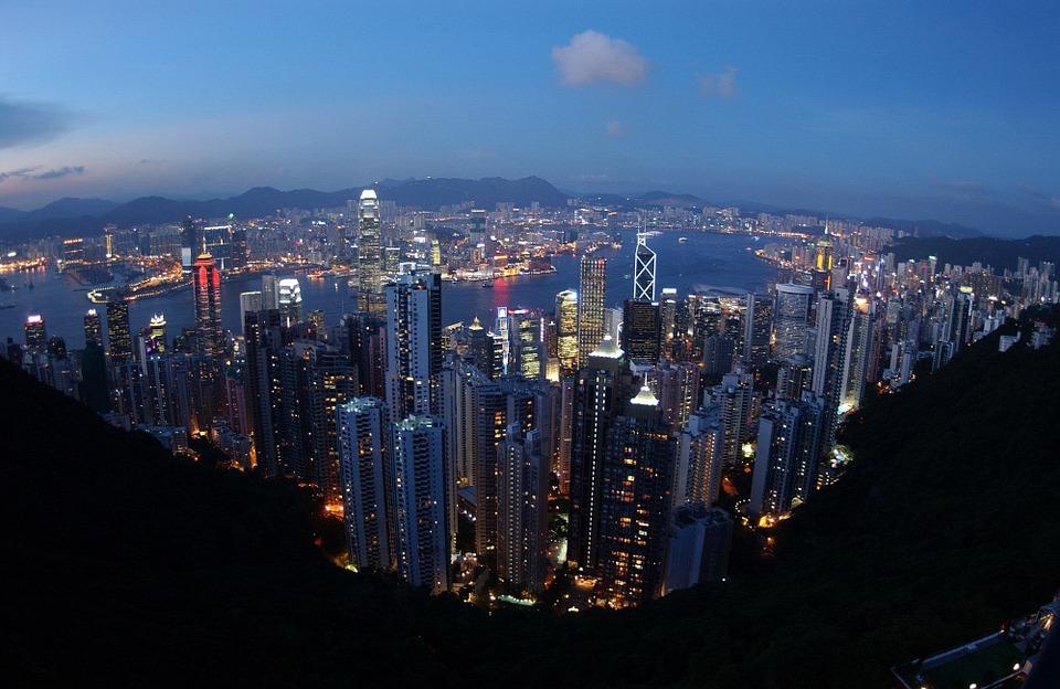 #3 香港 傳統歷史與現代都在這座城市留下的痕跡,讓香港有著不同氛圍。 當然購物也是許多人的重點行程囉!