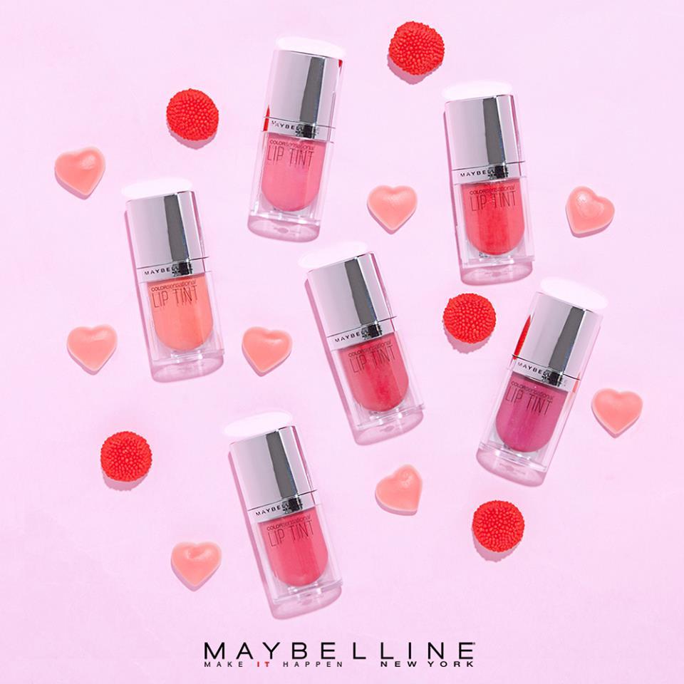這是Maybelline在韓國推出的唇彩 主打水光染唇的效果 不僅顯色度優秀之外,還很保濕