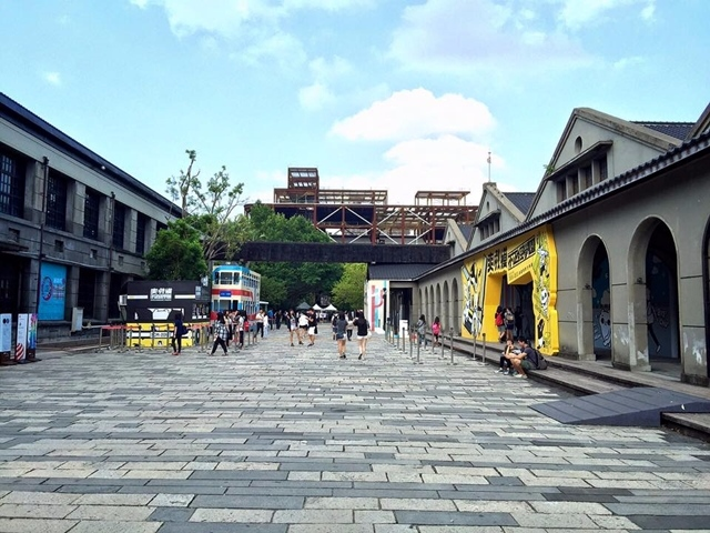 喜歡看展覽或是逛市集的人,應該都知道松山菸廠這個地方吧