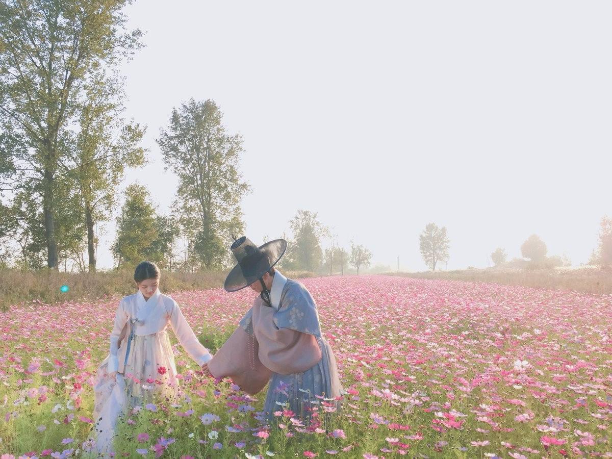 相信下半年話題性十足的韓劇除了《W-兩個世界》、《步步驚心-麗》之外 最具話題性的應該就是《雲畫的月光》了吧~~~