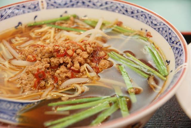 有沒有覺得有點熟悉啊?和臺灣南部的某樣特色麵食很像?