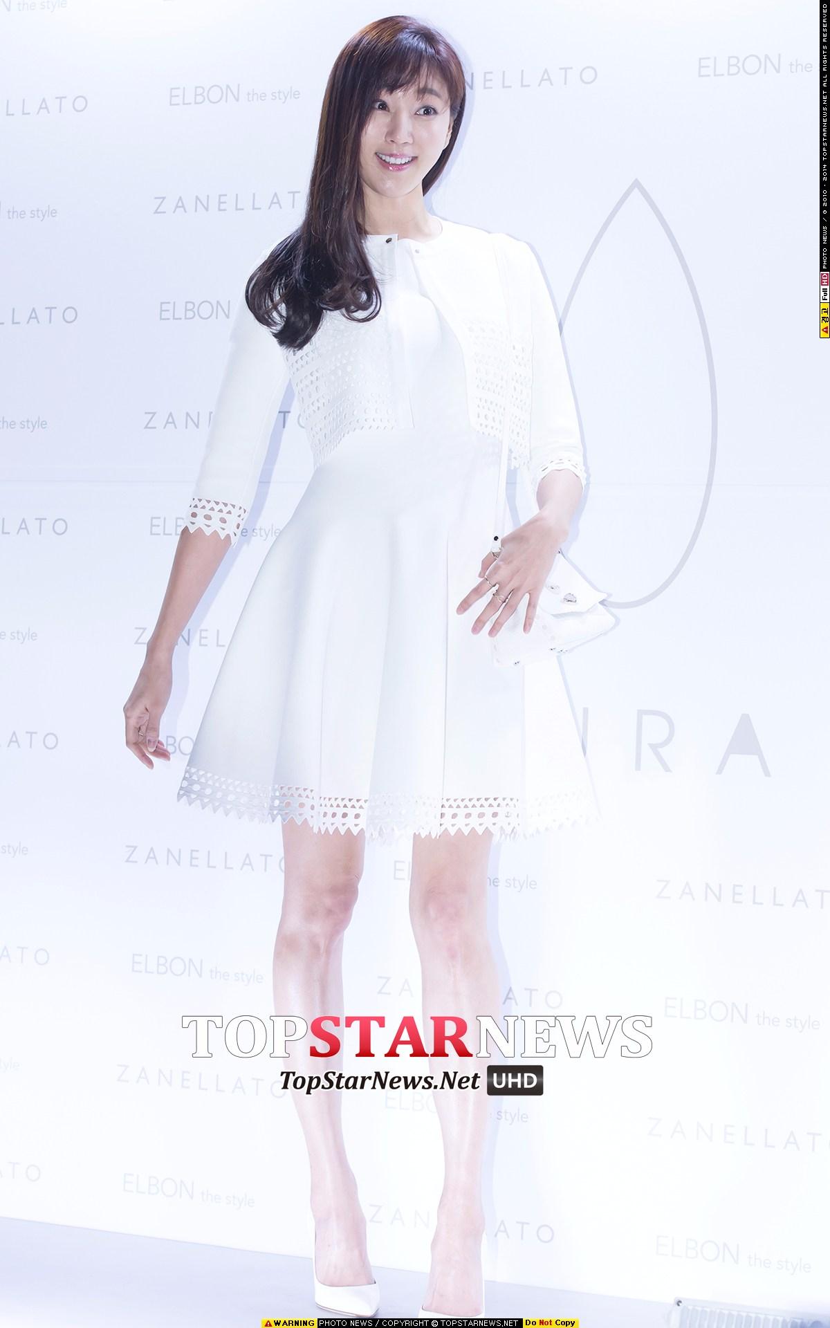 5位 金思朗 (78年生,演員) 2000年獲得韓國小姐冠軍的金思朗,年齡完全看不出來啊~ 臉蛋和身材還是跟20代一樣好~太會保養了!!!