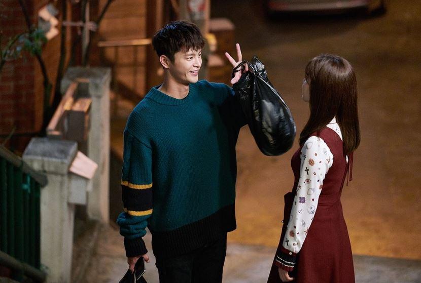 ✿TOP 4- MBC《購物王路易》 話題佔有率:8.28% ➔下降1個名次 ※主要在講述失憶的大企業繼承者-路易(徐仁國飾),和山村姑娘-高福實(南志鉉飾)之間的浪漫喜劇故事。